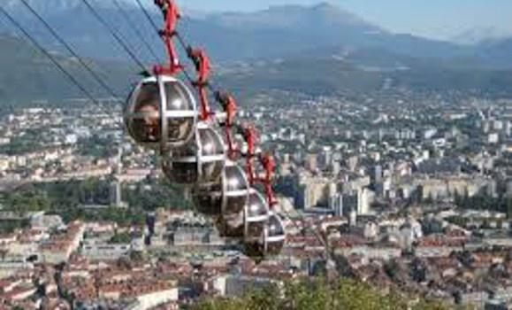 Grenoble École de Management 3