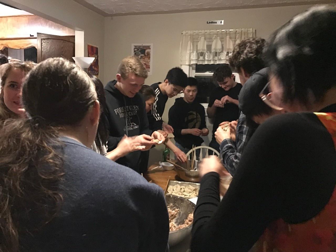 Dumpling party 2020 (photo 9)